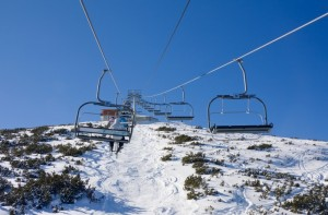 1696677-chair-ski-lift-over-mountain-landscape